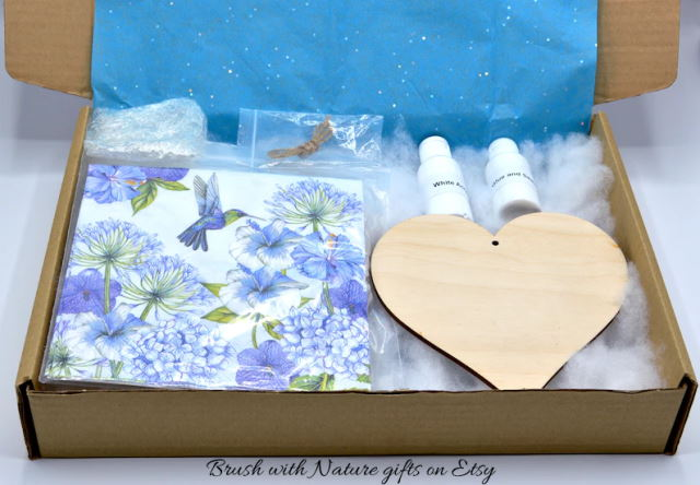 Decoupage beginners kit to make a wooden heart