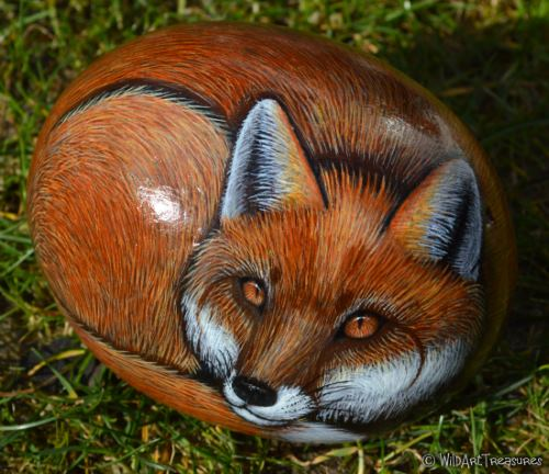 hand painted fox rock